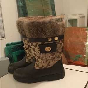🔥💯Authentic COACH Rabbit Fur Winter Boot🔥
